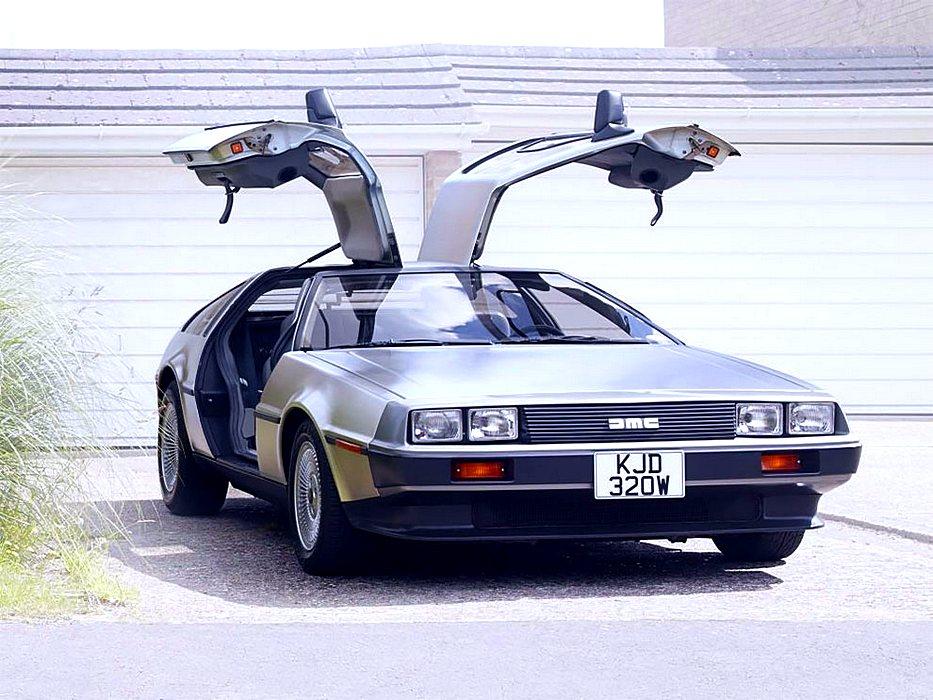"""DeLorean DMC-12 - автомобиль из кинофильма """"Назад в будущее"""""""