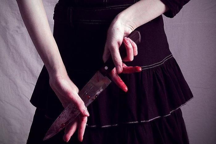 Девушка убила подругу