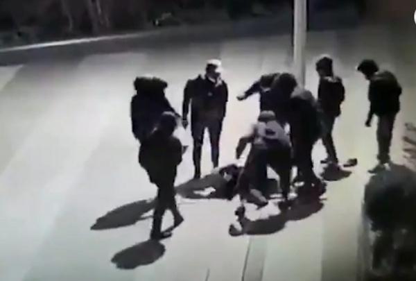 Избиение украинского подростка в центре Парижа