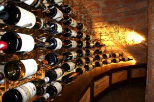 Семья любителей вина похитила спиртного на 800 тысяч евро