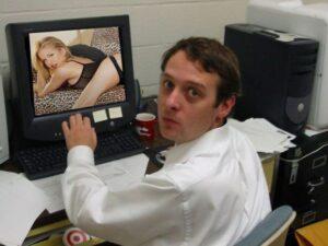 Адвокат занялся сексом с клиенткой прямо на онлайн-заседании