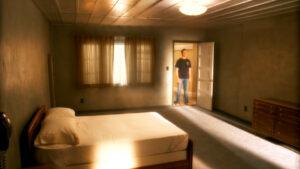 Мужчина загадочным образом исчез из собственной квартиры