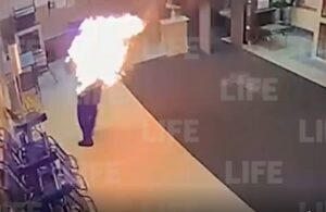 Попытка самосожжения мужчины возле телецентра «Останкино» (видео)