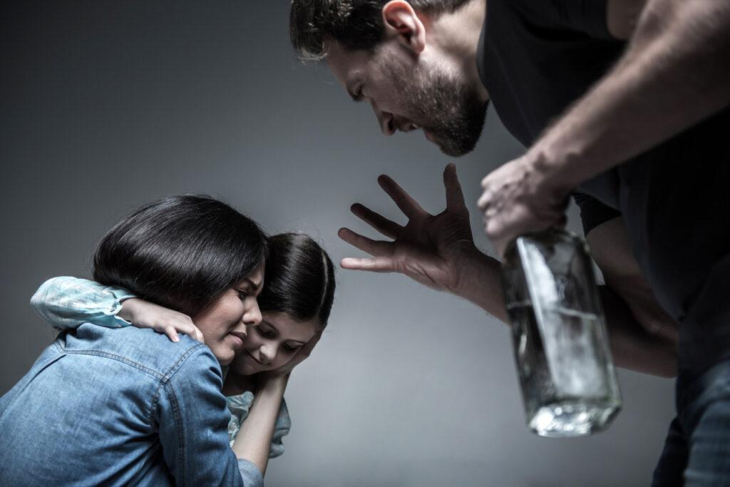 Домашнее насилие: довёл жену до самоубийства