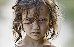 Подмосковная Маугли: Девочка жила в кошачьей стае
